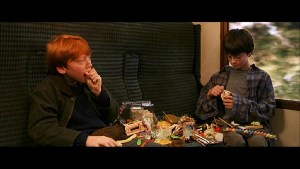 Harry Potter og Ron spiser slik